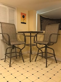 Bar Height Table and Chairs 3747 km