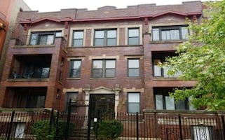 CONDO DEAL! GREAT LOCATION Special $70K!!! REAL ESTATE DEAL in, Chicago, IL 60615!!!!!! MUST SELL! Work Needed!!