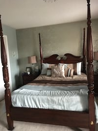 brown wooden canopy bed frame Brampton, L6Y