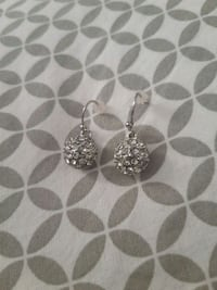 Authentic Swarovski earrings Mississauga, L5C 3P5
