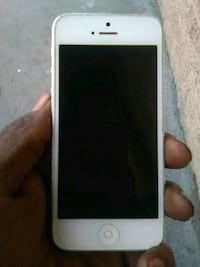 white iPhone 5 with case 2258 mi