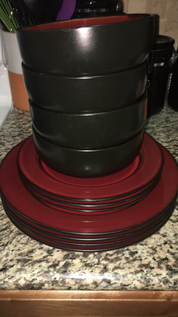Red and black 11pc dinnerware set 4f2d3854-76aa-4e53-80be-09ab7343e844