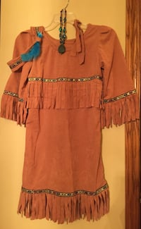 Fits Girls 5,6,or 7 Indian/Pocahontas costume