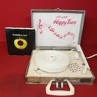 DeJay Happy Tunes SP-11 Vintage Old School Record Player ~ w/ Beatles Record Oklahoma City