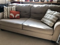 Queen Sleeper Couch w Love Seat Alexandria, 22303