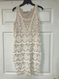 Jennifer Lopez size M lace crochet dress Ocean, 08758