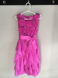 Girls Size 8 holiday dress Guelph, N1K 1Y7