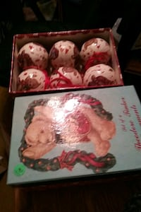 2 boxes of bear ornaments  Chambersburg, 17202