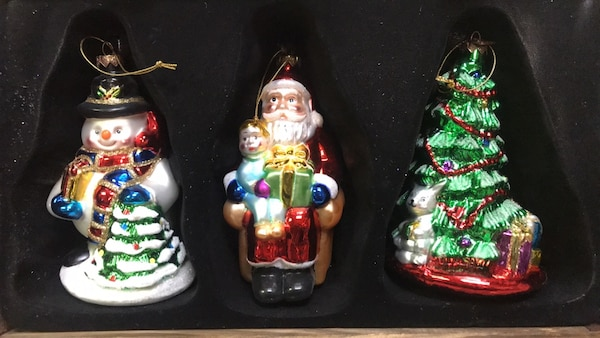 Used 3 Brand New Christmas Ornaments For In Queens County