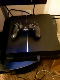 PS4 includes 1 controller Bakersfield, 93314