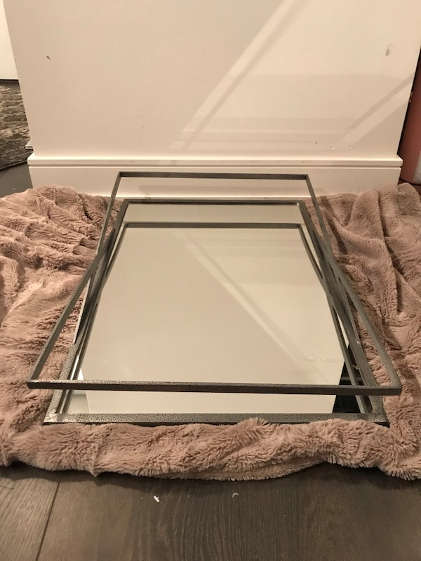 Mirrored table tray 16x24 inches d6efd500-9fdf-4434-b7f8-14696464777c