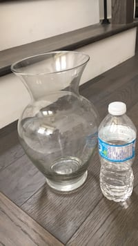 clear glass pitcher with clear glass lid Whitchurch-Stouffville, L4A 1X6