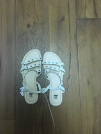 pair of white leather open-toe sandals Tampa, 33614