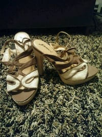 pair of brown leather open-toe sandals Erie, 16505
