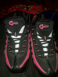pair of black-and-pink Nike Airmax shoes Reading, 19601