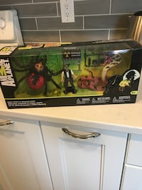 Animal Planet Giant Cobra and Spider Playset
