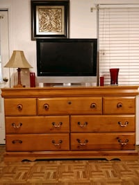 Nice modern big dresser/TV stand with 7 drawers in Annandale, 22003