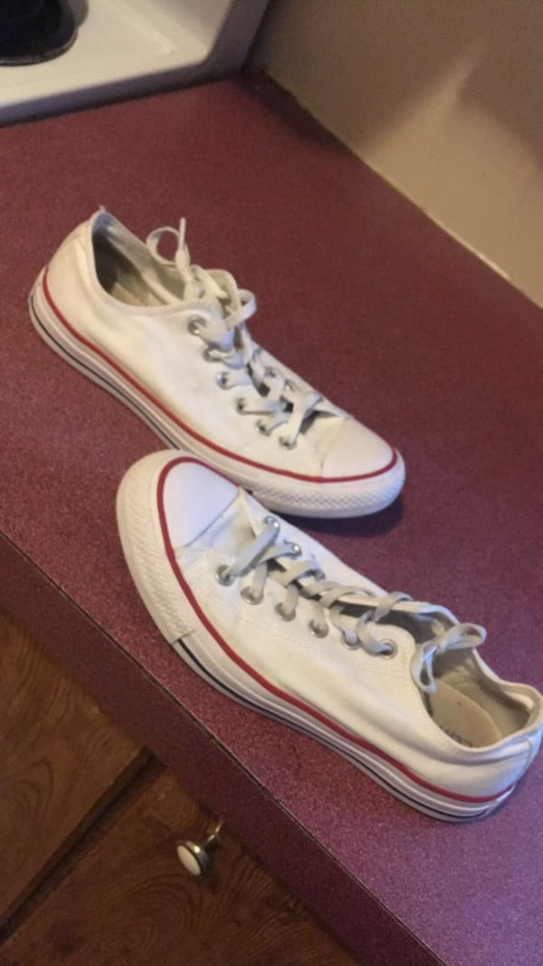 Cleaning out my shoes need gone size 8 1/2 3b023787-1781-4967-93a5-8a0ade243e53