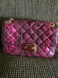 pink and white leather wristlet North Highlands, 95660
