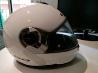 Casco integral blanco y negro. 6512 km