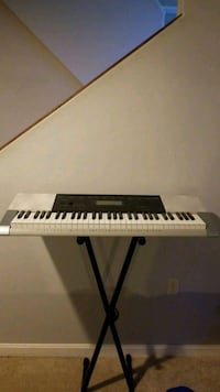 black and white electronic keyboard Rockville, 20855