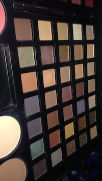 Dazzled makeup palette   2358 mi