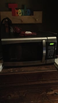 Black and gray microwave oven Hendersonville, 37075
