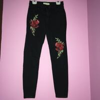 black high rise skinny jeans size 1  brand:STREETWEAR SOCIETY Montreal