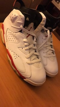 pair of white Air Jordan 6's Hyattsville, 20782
