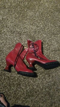 pair of red leather boots Everett, 98204