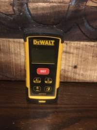 Dewalt measure/level  Welland, L3C 5B1