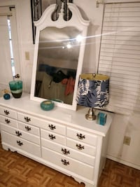 Nice white THOMASOILLE dresser with mirror and big drawers in good con West Springfield, 22152