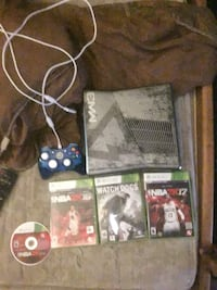 Xbox 360 console with controller and game cases Washington, 20001