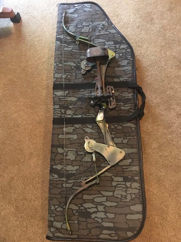 Vintage Oneida Screaming Eagle Compound Bow 0