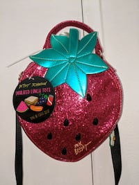 Betsey Johnson strawberry lunch bag Wappingers Falls, 12590