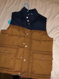 Brand new vest. Men sz SMALL 524 mi