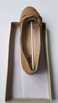 Brand new in box Ladies shoes size 8 /  #AA2A Laval, H7P 5V3
