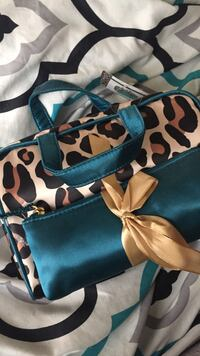 blue and white floral handbag Fresno, 93722