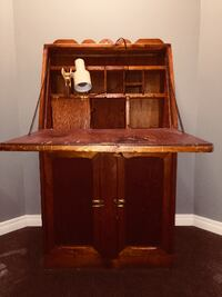 Brown wooden desk with hutch STONYPLAIN