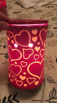 Red and white heart scentsy warmer  Grottoes, 24441