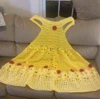unpaired yellow knitted shoe with box 315 mi