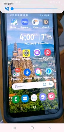 New mint condition Samsung a8.