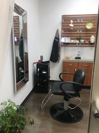 COMMERCIAL For rent Hair studio
