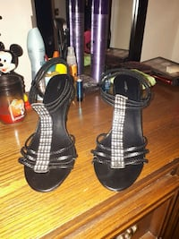 black open-toe ankle-strap heeled sandals Barrie, L4M 6W2