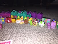 90 shopkins with shopping baskets . Well taken care of  Toronto, M2K