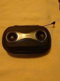 Insignia cell phone speakers and case Victoria, V8T 3Y9
