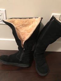 Ugg Boots - authentic / Size 7 Burnaby, V5C