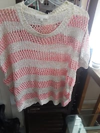pink and white knitted sweater Los Angeles, 90062