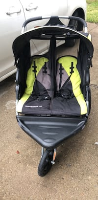 baby's black and green twin jogging stroller Mission, 78573
