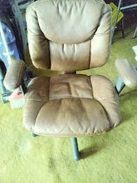 brown leather rolling armchair Oklahoma City, 73127